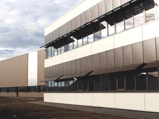 Usine COOPER STANDARD RENNES19000 m² - Bail 12 ans
